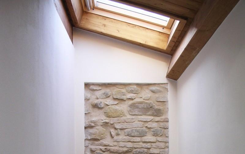 Costruire con il legno e la pietra a secco